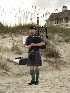 howl at the moon bagpiper